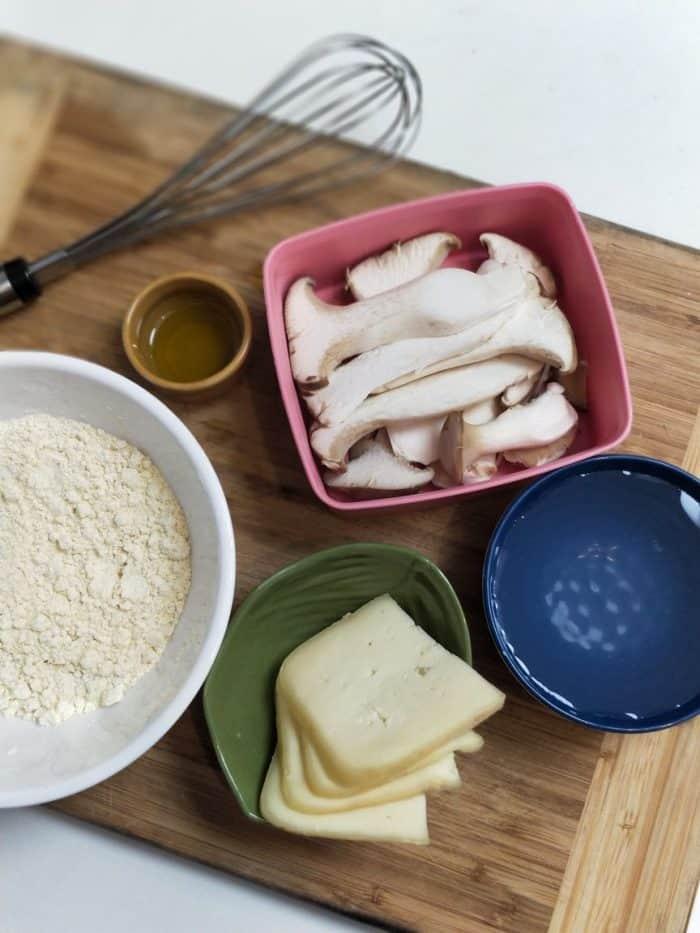 Ingredientes para panqueca de grão de bico com cogumelo